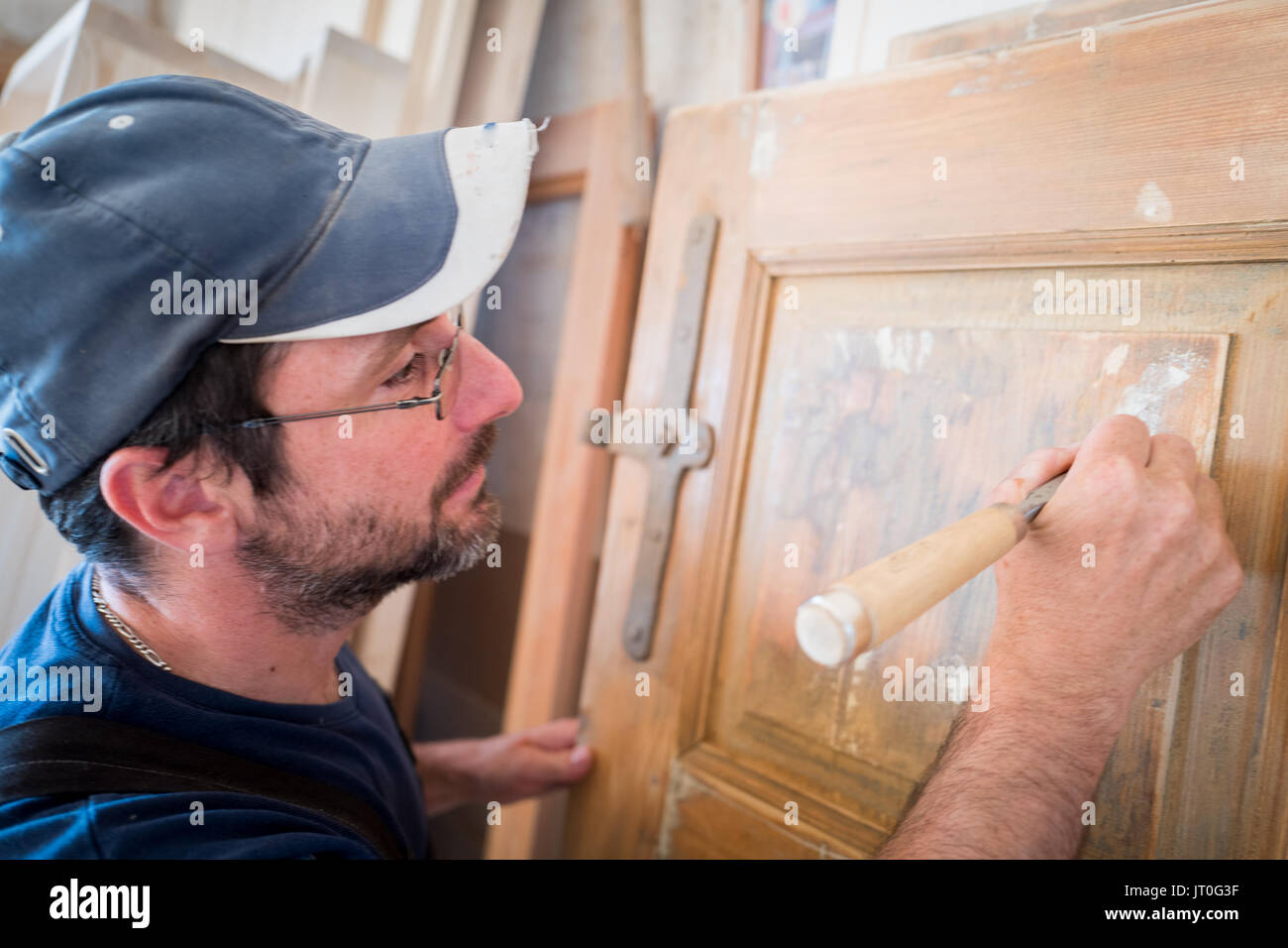 Carpenter in carpentry - Stock Image