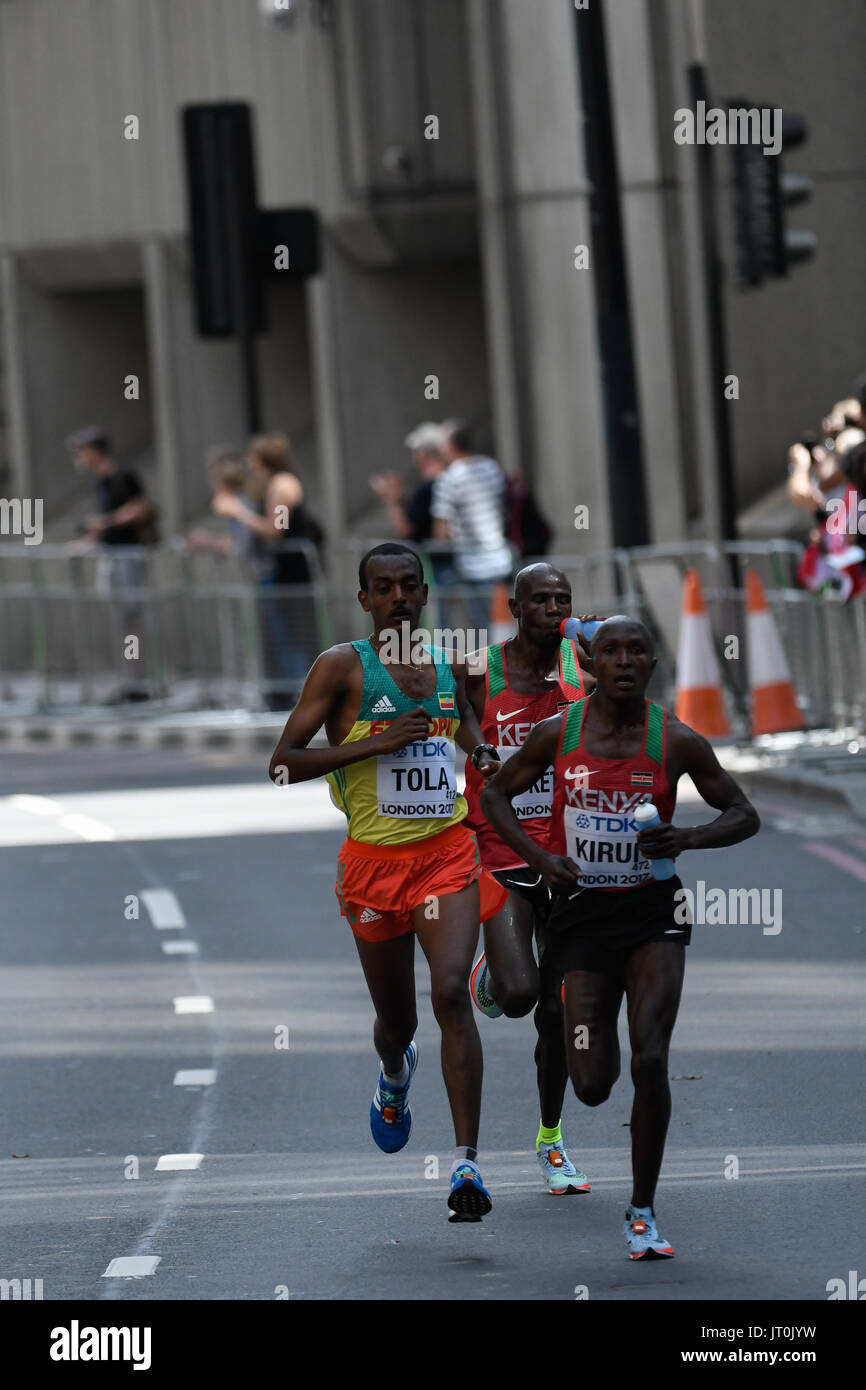 London, UK. 6th Aug, 2017. Tamirat TOLA, Ethiopia, Geoffrey Kipkorir KIRUI, Kenya, and Gideon Kipkemoi KIPKETER, Kenya, during marathon in London on August 6, 2017 at the 2017 IAAF World Championships athletics. Credit: Ulrik Pedersen/Alamy Live News - Stock Image