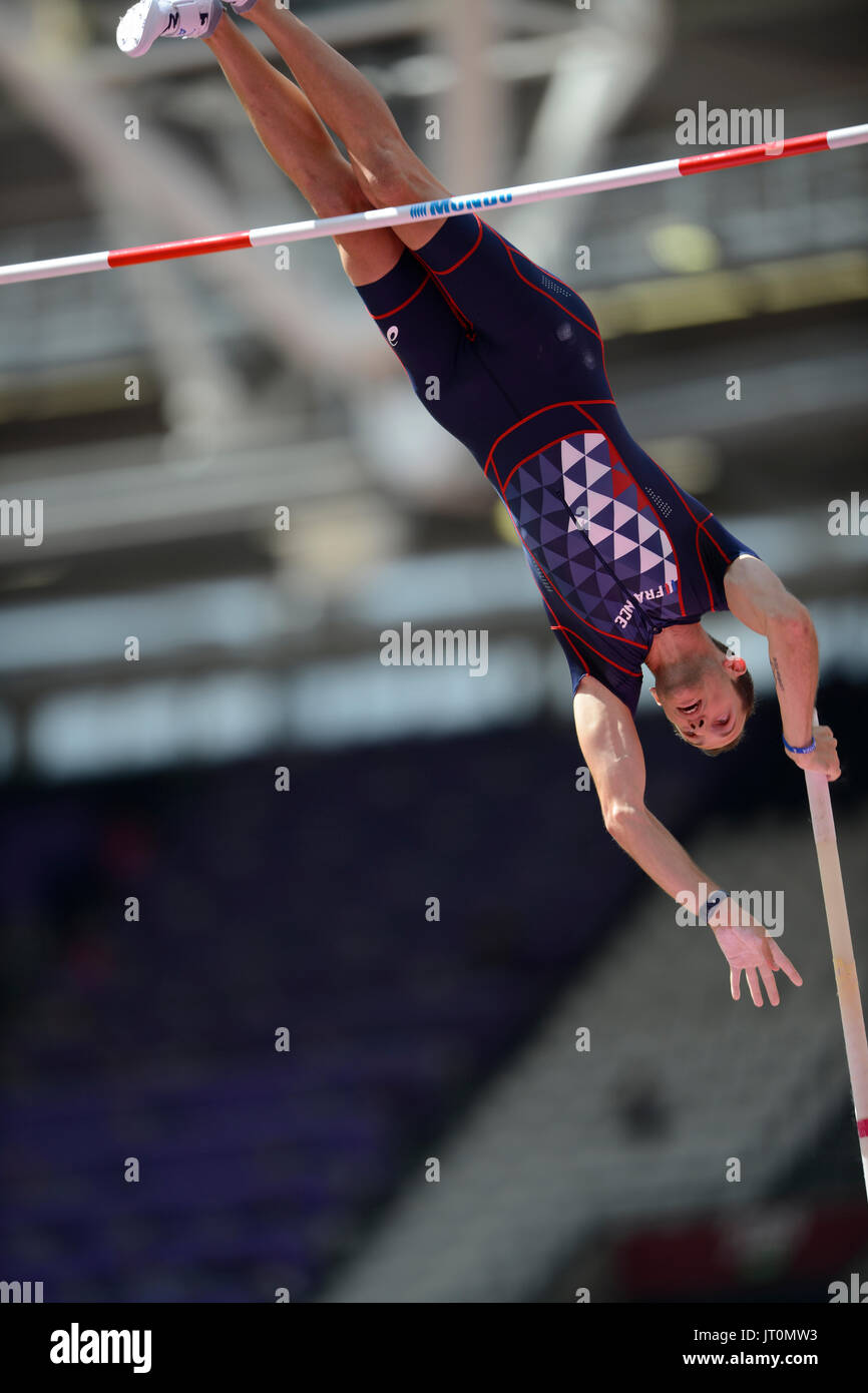 London, UK. 06th Aug, 2017. Renaud Lavillenie (France), world record holder in pole vault, clasifies to the finals of the IAAF World Championships London 2017 Credit: Mariano Garcia/Alamy Live News - Stock Image