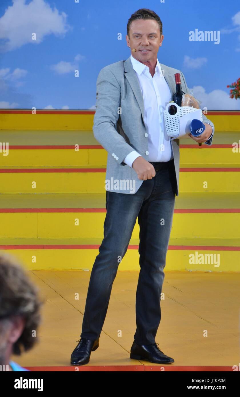 """Rust, German , 06th August, 2017, Das Erste ARD TV Show """"Immer wieder Sonntags"""" Featuring: Stefan Mross Credit: Stock Photo"""