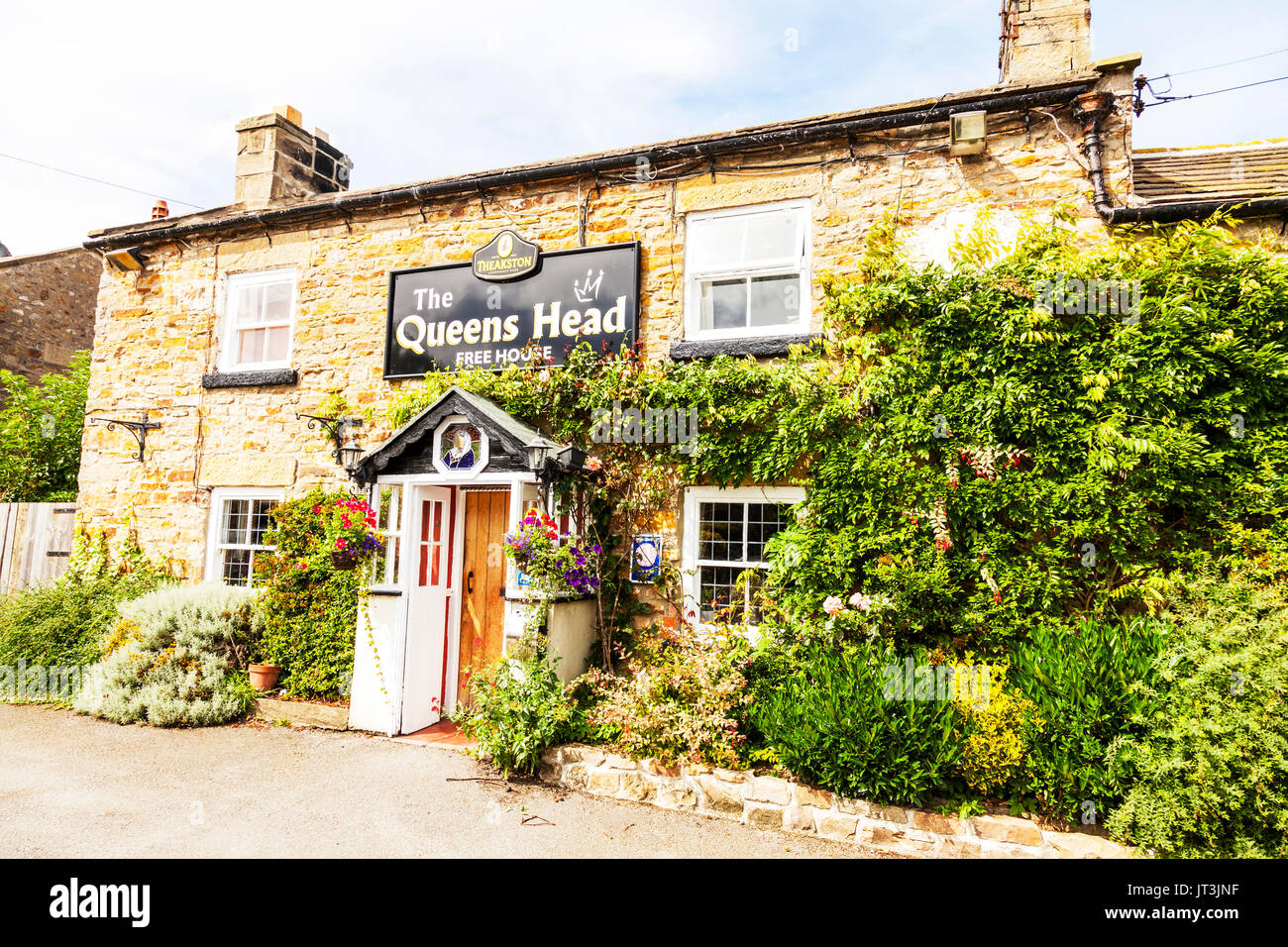queens head pub Finghall yorkshire, Finghall queens head pub, queens head pub, queens head free house, pub, pubs, bar, bars, free houses, UK, England - Stock Image