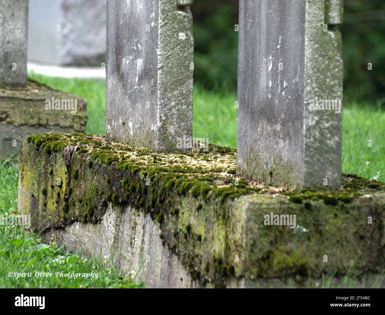 A family resting place for a husband and wife, no names shown - Stock Image