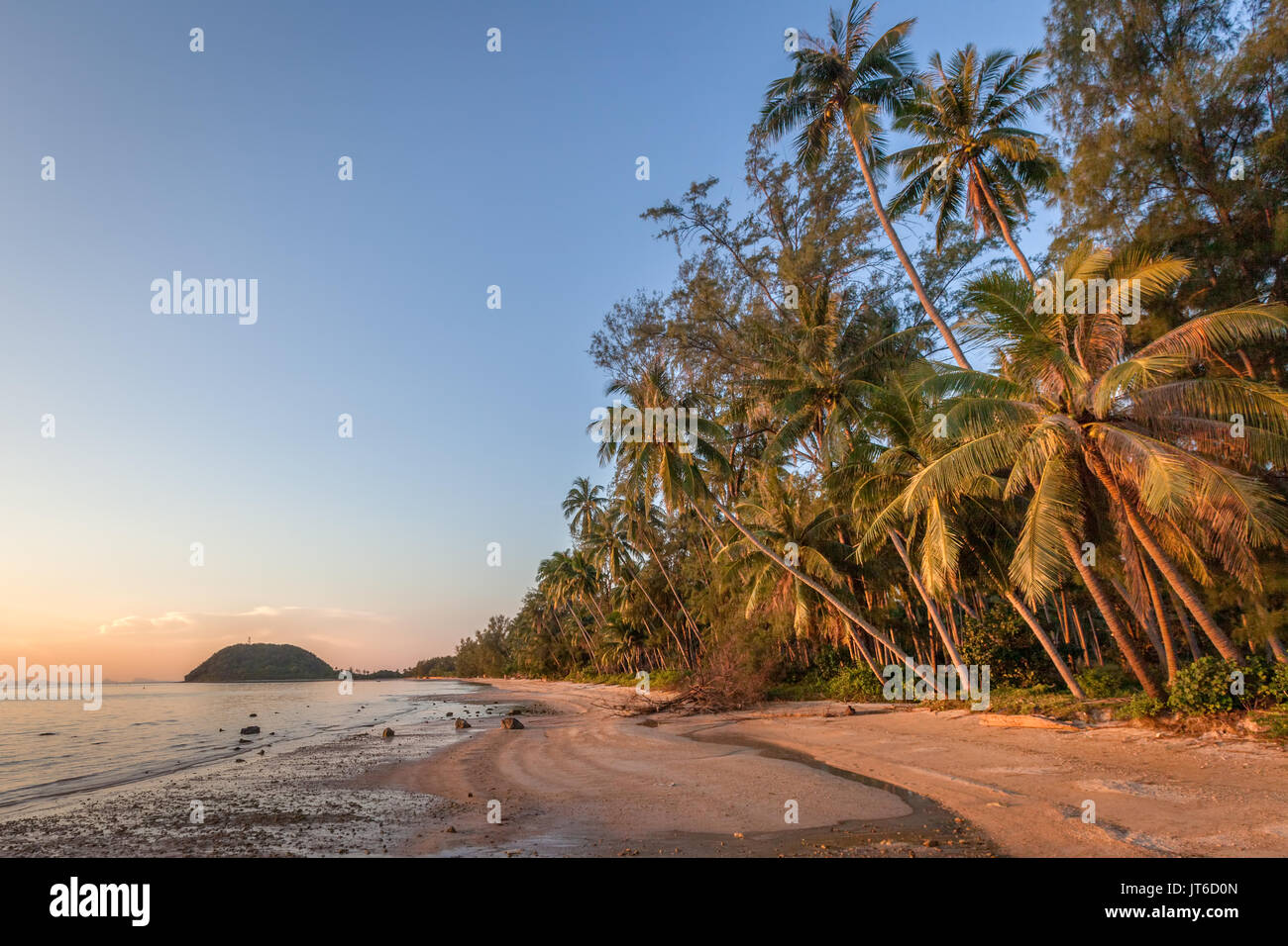 Colorful sunset at Nathon beach, Laem Yai, Koh Samui, Thailand - Stock Image