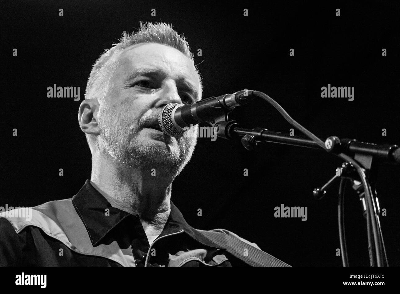 Milan, Italy. 5th August, 2017. Billy Bragg presents his new album 'Shine a Light' during a live performance. Credit: Luca Quadrio/Alamy Live News - Stock Image