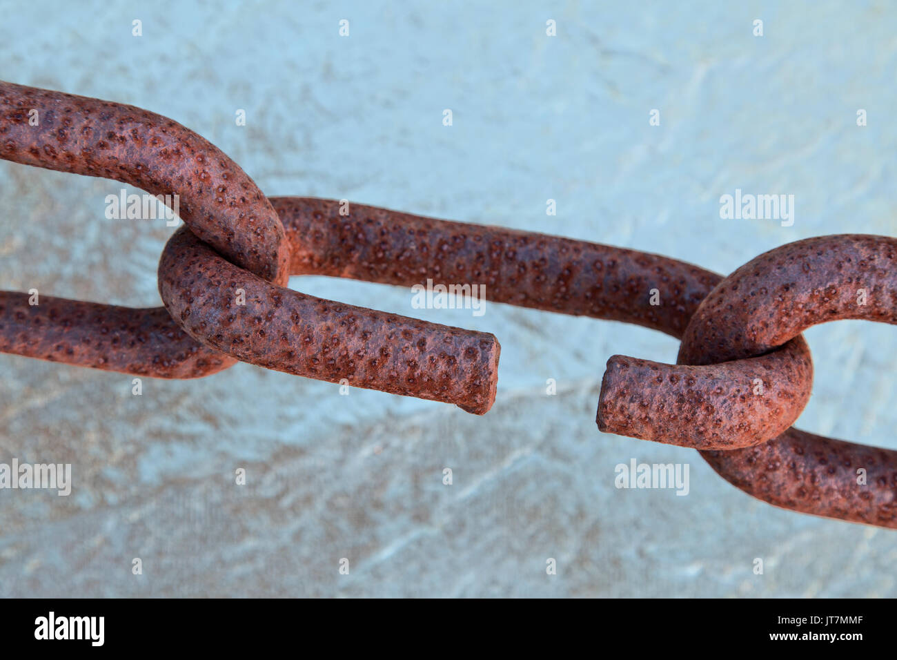 ›Connecting rusty chain links, exposure to Coastal Climate. - Stock Image
