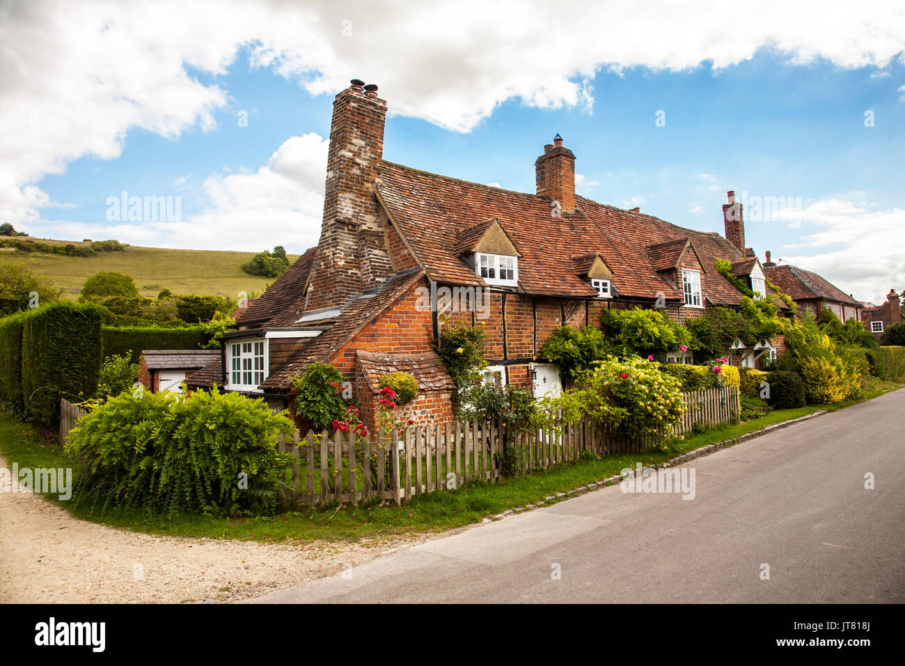 Cottages in the tranquil  rural English village of Turvill in the Chiltern Hills  Buckinghamshrie  setting  for Midsomer Murders and vicar of Dibley - Stock Image