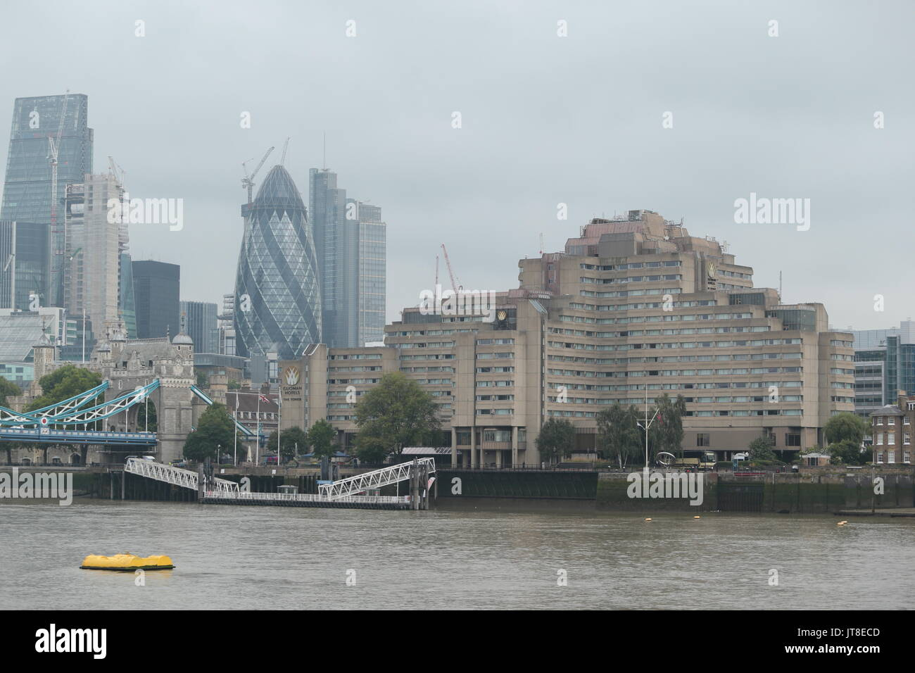London, UK. 08th Aug, 2017. Gouman Hotels The Tower It has been confirmed by the IAAF that a vomiting bug outbreak had taken place at the Guoman Tower Hotel in Central London, A reported 12 athletes, were taken ill at the hotel. The hotel has denied it's to blame. The hotel on the River Thames sits next to the world famous Tower Bridge. Today picture. Credit: Nigel Bowles/Alamy Live News - Stock Image