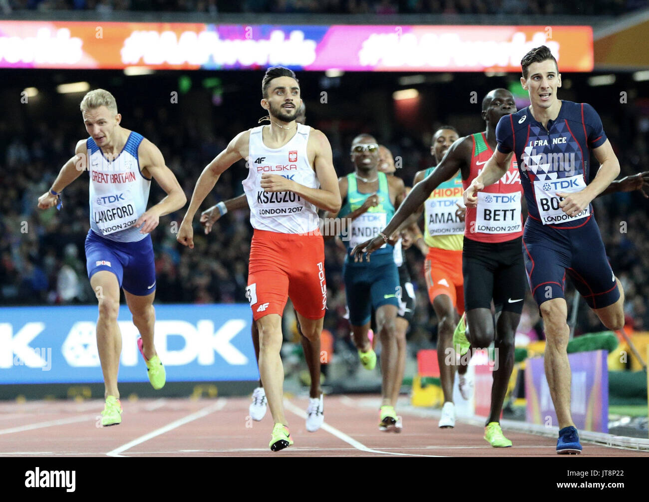 London, UK. 08th Aug, 2017. French athlete Pierre Bosse (R), who won the gold, and Polish Adam Kszczot (2L), who won the silver, during 800 meters competition at the World Athletics Championships at the olympic stadium in London, United Kingdom, 08 August 2017. EFE/Lavandeira jr./Alamy Live News - Stock Image