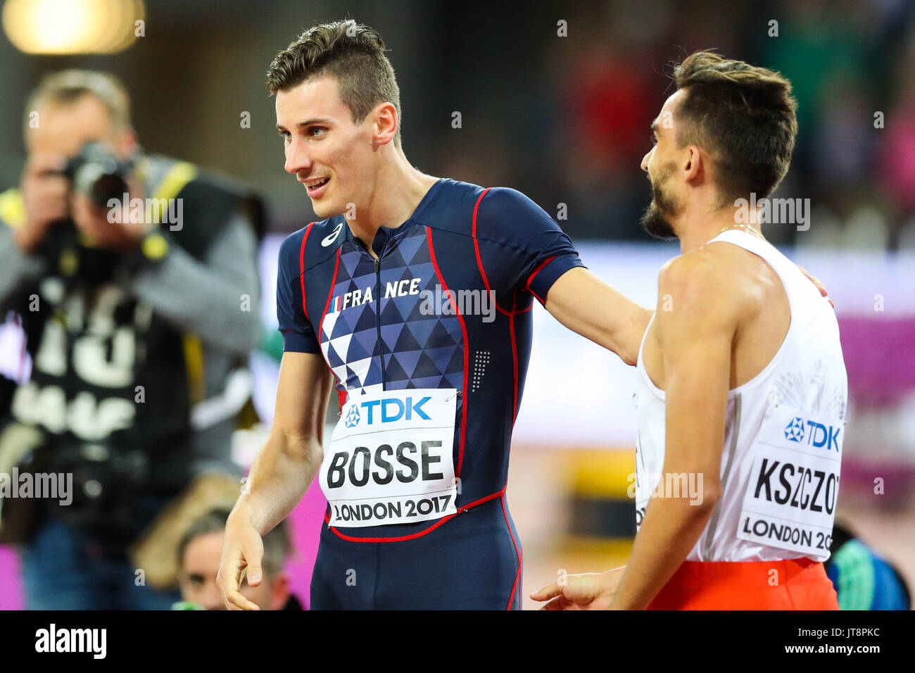 London, UK. 08th Aug, 2017. London, August 08 2017 . Pierre-Ambroise Bosse, France, congratulates runner up Adam Kszczot, Poland, after the men's 800m final on day five of the IAAF London 2017 world Championships at the London Stadium. Credit: Paul Davey/Alamy Live News - Stock Image