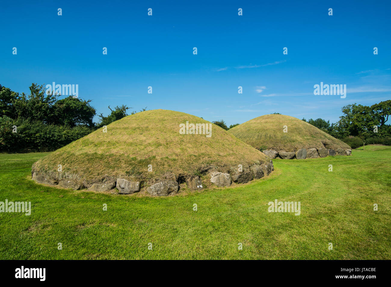 Knowth, Neolithic passage grave, UNESCO, prehistoric Bru na Boinne, Valley of the River Boyne, County Meath, Leinster, Ireland - Stock Image