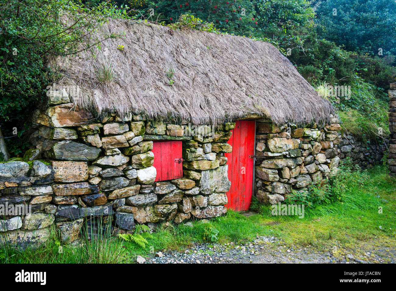 Traditional farm, Connemara National Park, County Galway, Connacht, Republic of Ireland, Europe - Stock Image