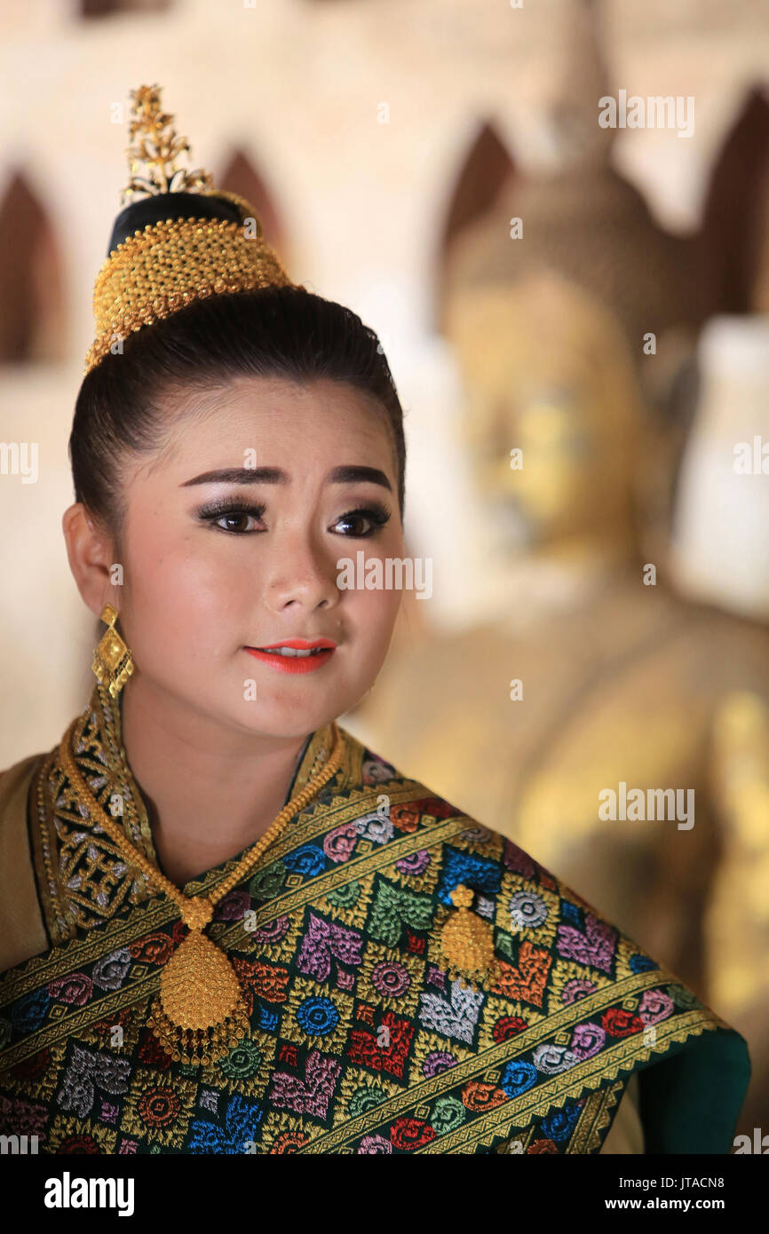 Bride wearing traditional Lao costume for her wedding, Wat Si Sake, Vientiane, Laos, Indochina, Southeast Asia, Asia - Stock Image