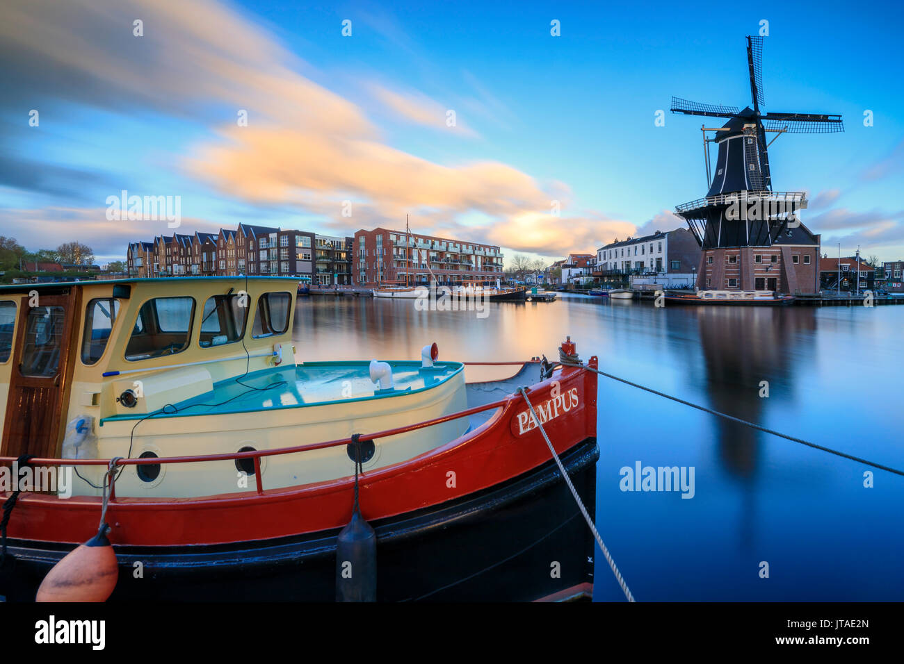 Boat Frames Stock Photos & Boat Frames Stock Images - Alamy