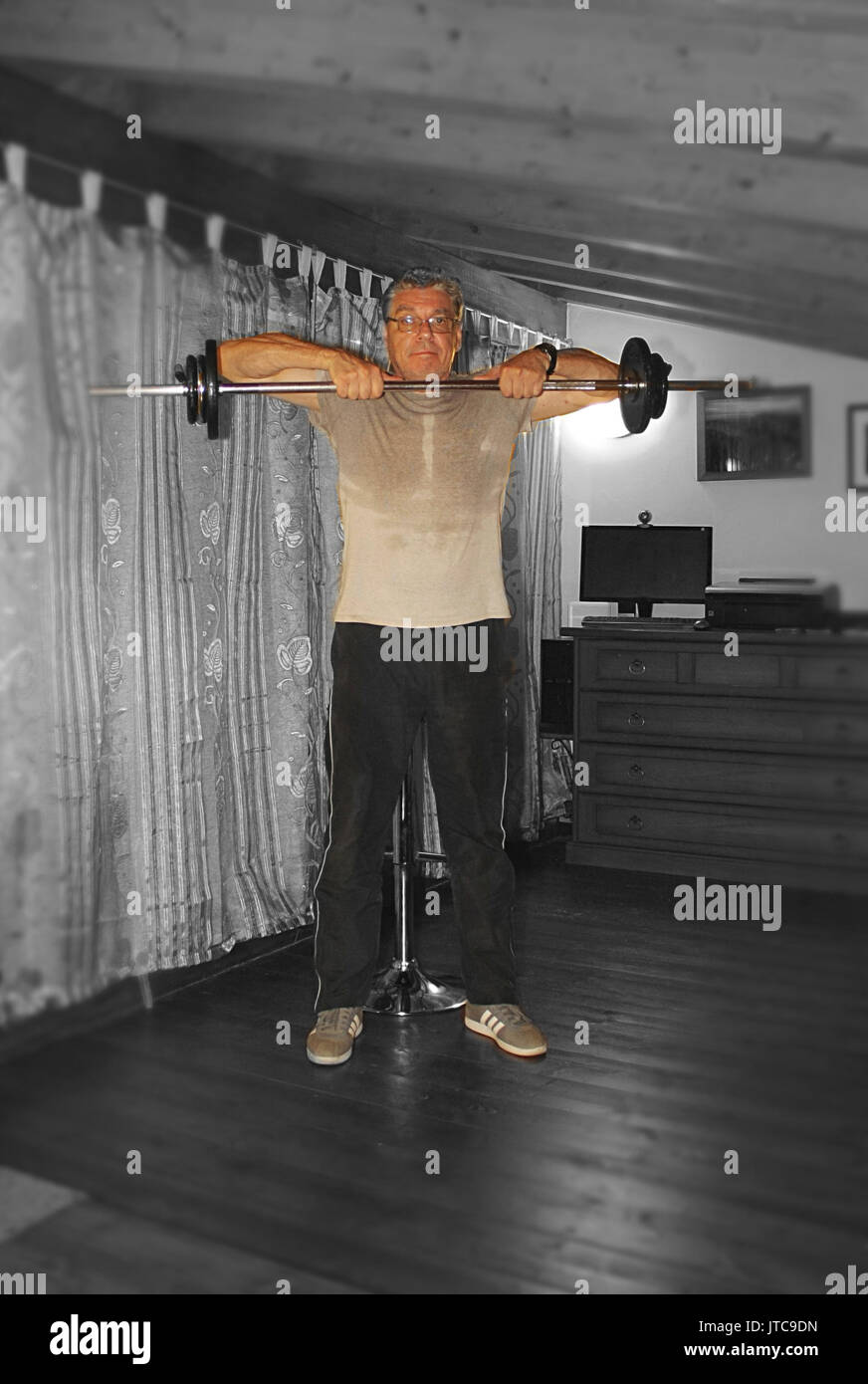 Home gym in the attic, pull for shoulders - Stock Image