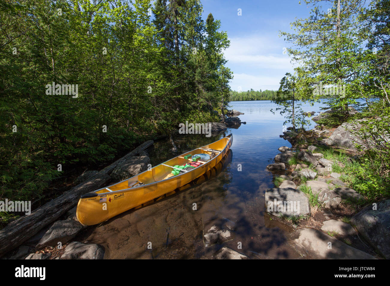 A canoe on a lake in the Boundary Waters Canoe Area Wilderness (BWCAW). - Stock Image