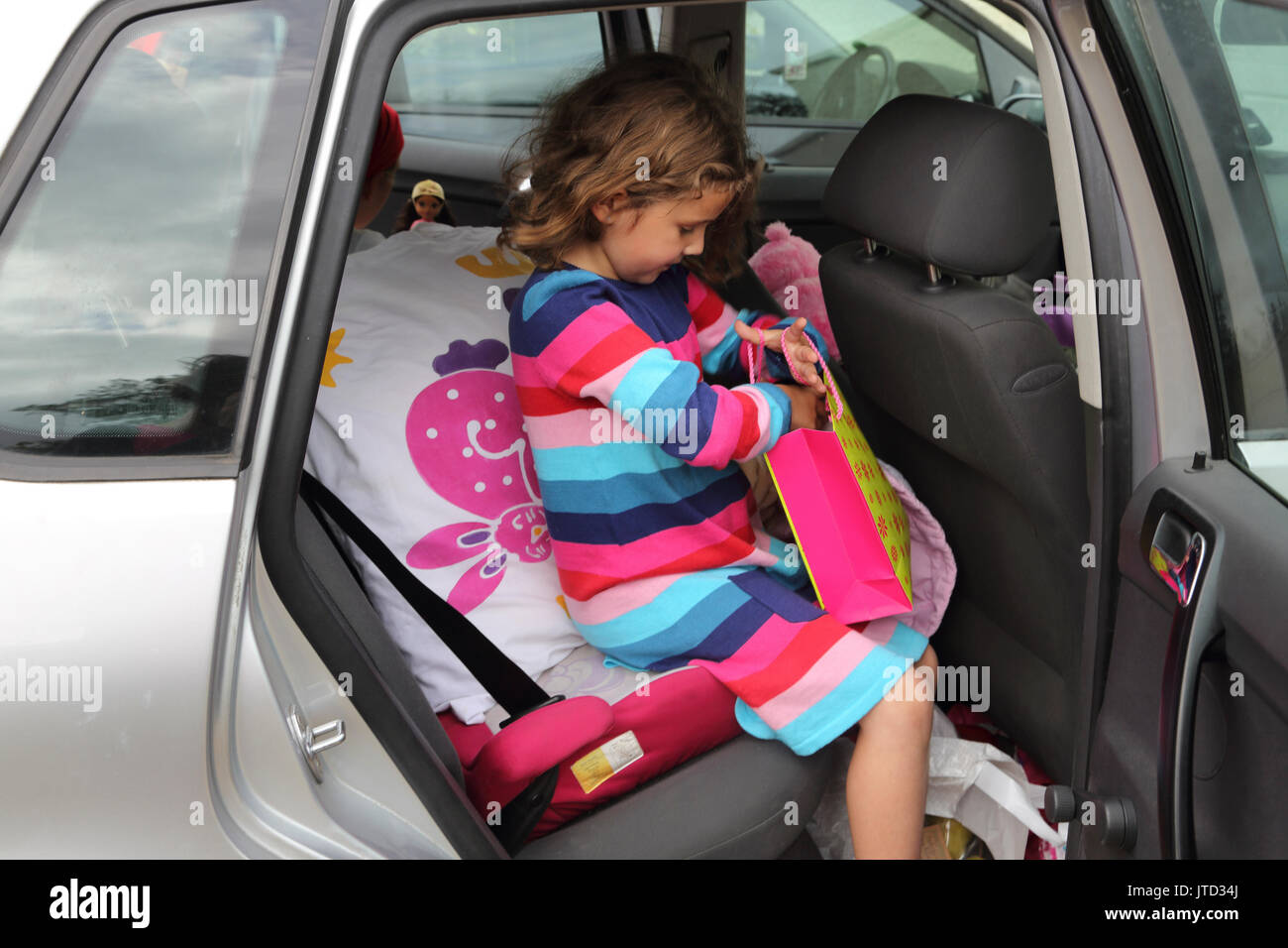 Magnificent Young Girl In Back Of Car Getting Ready To Go Back Home Uwap Interior Chair Design Uwaporg