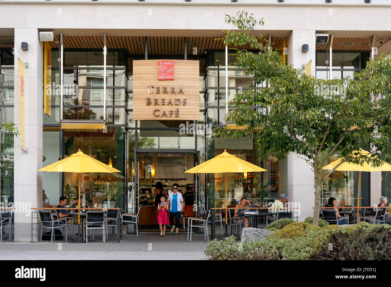 Terra Breads cafe and bakery in the Village on False Creek, Vancouver, BC, Canada - Stock Image