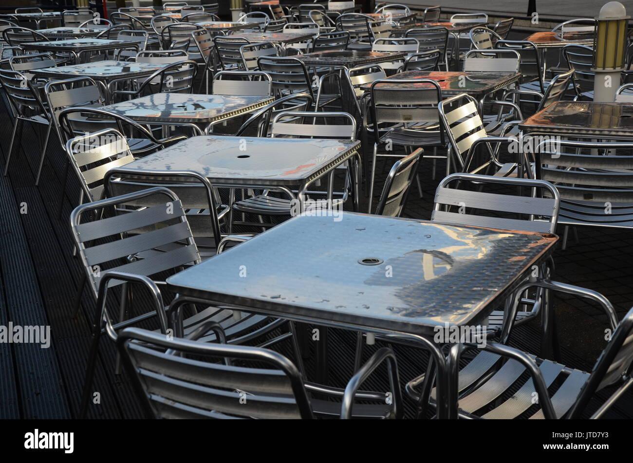 empty restaurant, bad customer service - Stock Image