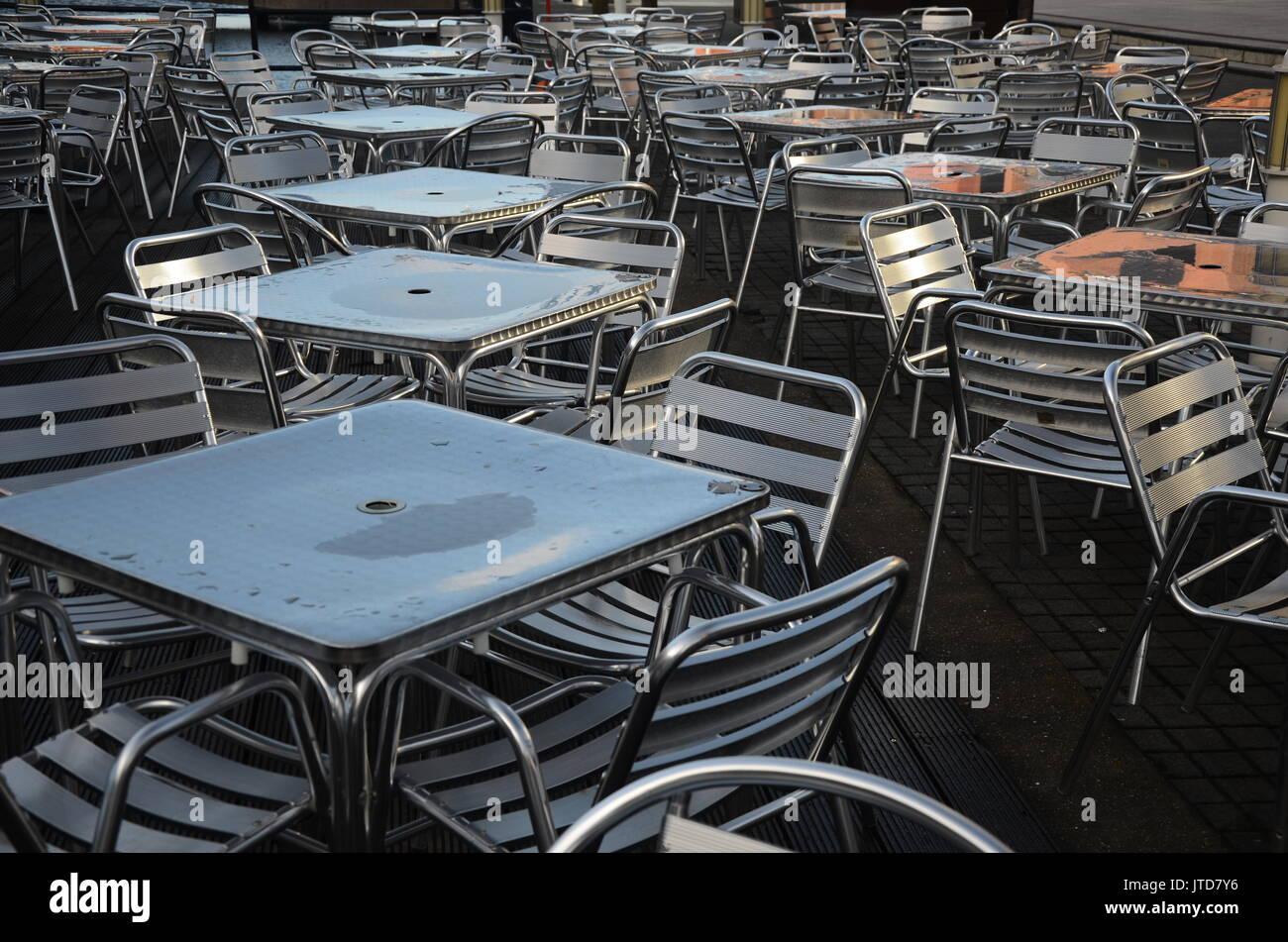 empty restaurant, bad on line food rating - Stock Image