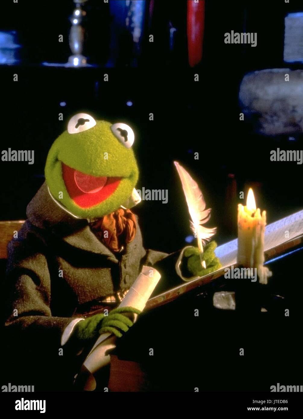 Kermit Frog Christmas Stock Photos & Kermit Frog Christmas Stock ...