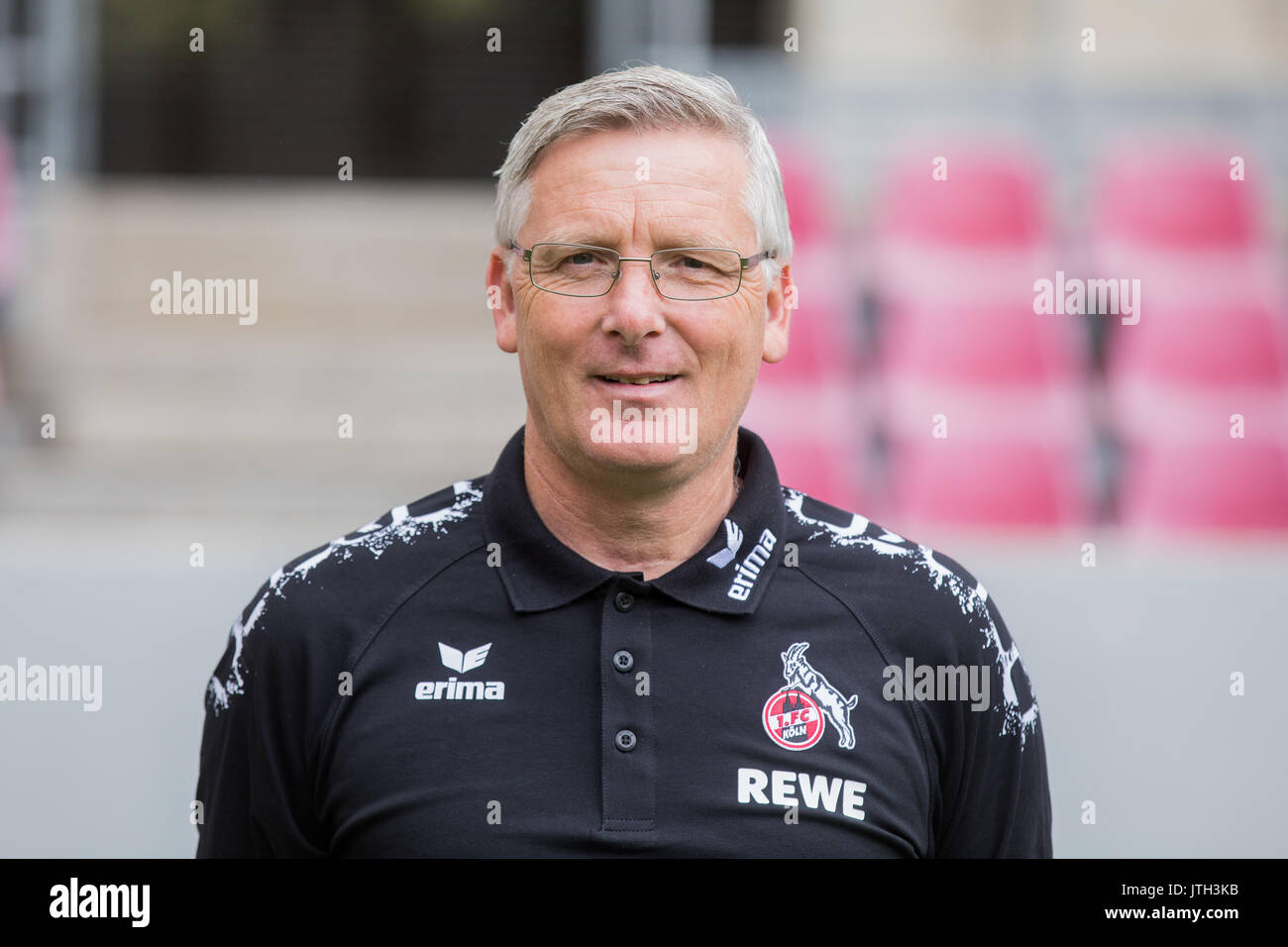 German Bundesliga, official photocall FC Cologne for season 2017/18 in Cologne, Germany: kitman Frank Almstedt. Foto: Rolf Vennenbernd/dpa | usage worldwide - Stock Image