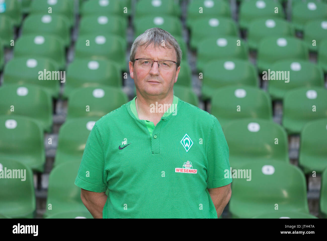 Bremen, Germany. 19th July, 2017. German Bundesliga, official photocall Werder Bremen for season 2017/18 in Bremen, Germany: kitman Peter Detjen. | usage worldwide Credit: dpa/Alamy Live News - Stock Image
