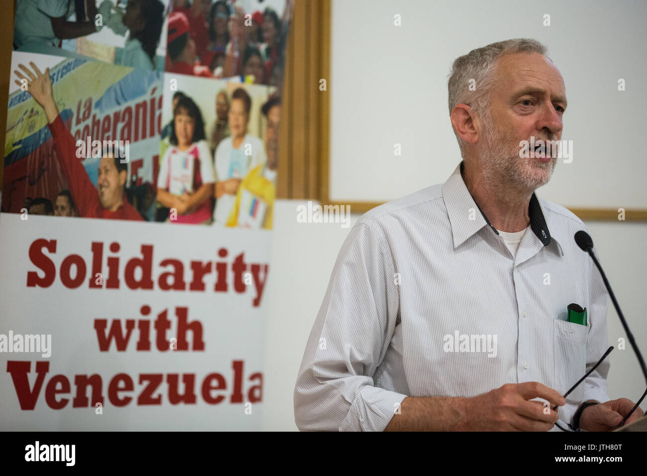 London, UK. 4th June, 2015. Jeremy Corbyn MP, candidate for the Labour Party leadership, addresses the Rally for Venezuela in London in celebration of 10 years of the Venezuela Solidarity Campaign. Credit: Mark Kerrison/Alamy Live News - Stock Image