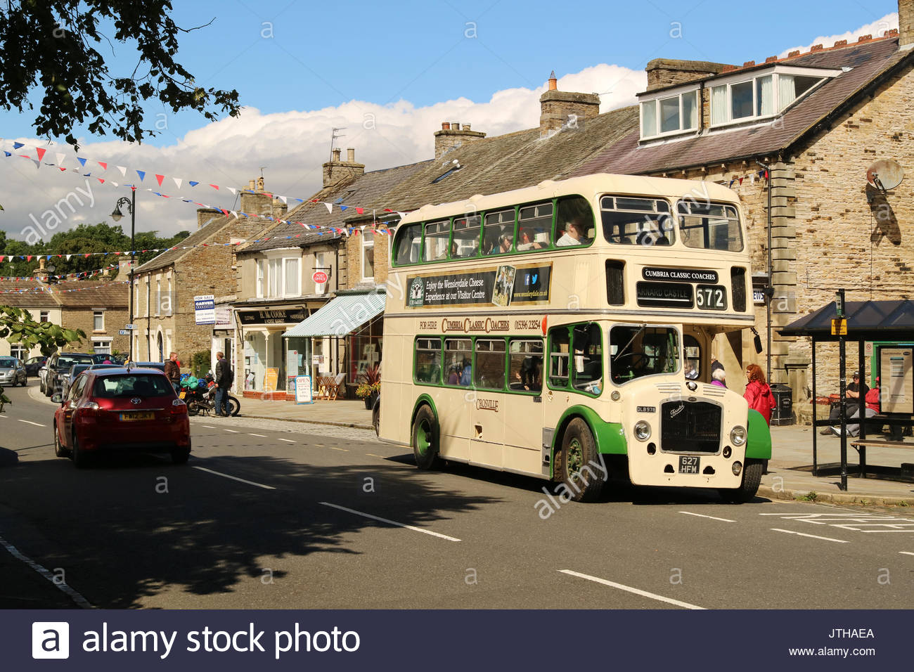 Vintage Bus Stop Stock Photos Vintage Bus Stop Stock Images Alamy