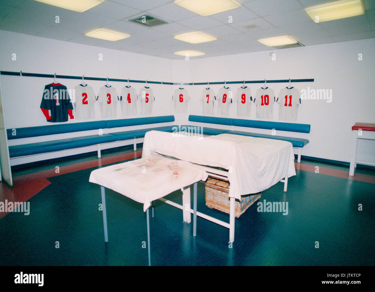 Rare Stock Photos Of The Dressing Rooms Inside The Old Wembley Stadium  (Twin Towers) Taken On A Private Tour 19th March 1999.