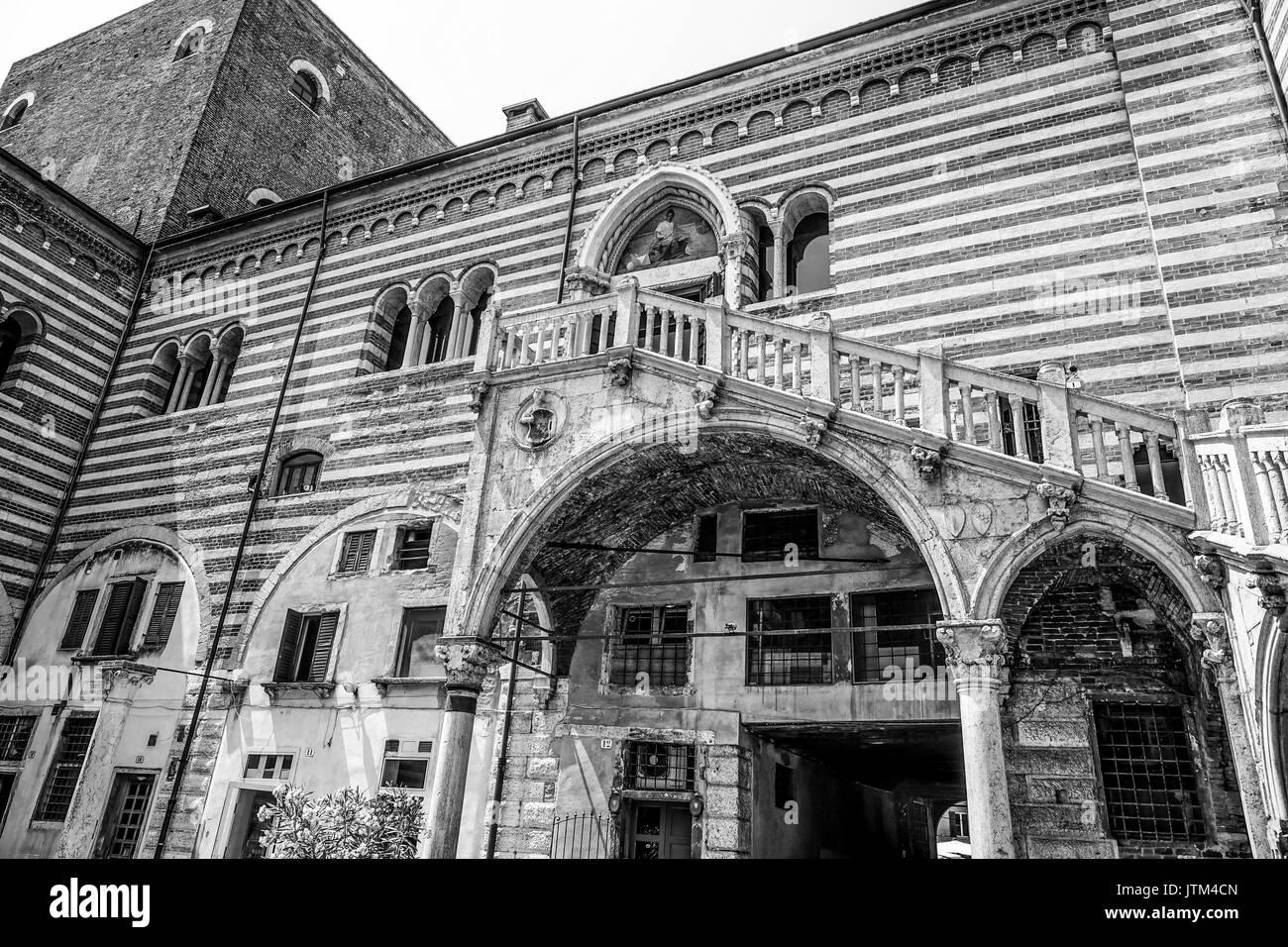 Verona sightseeing - Palazzo del Mercato Vecchio in Verona Italy - Stock Image