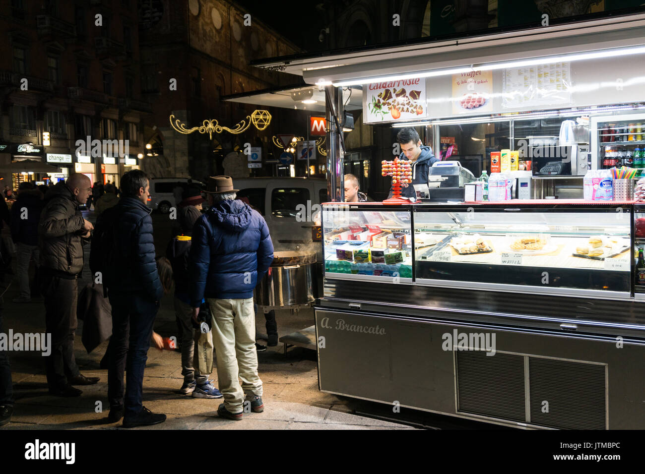Italy, Lombardy, Milan, food truck in Duomo square - Stock Image
