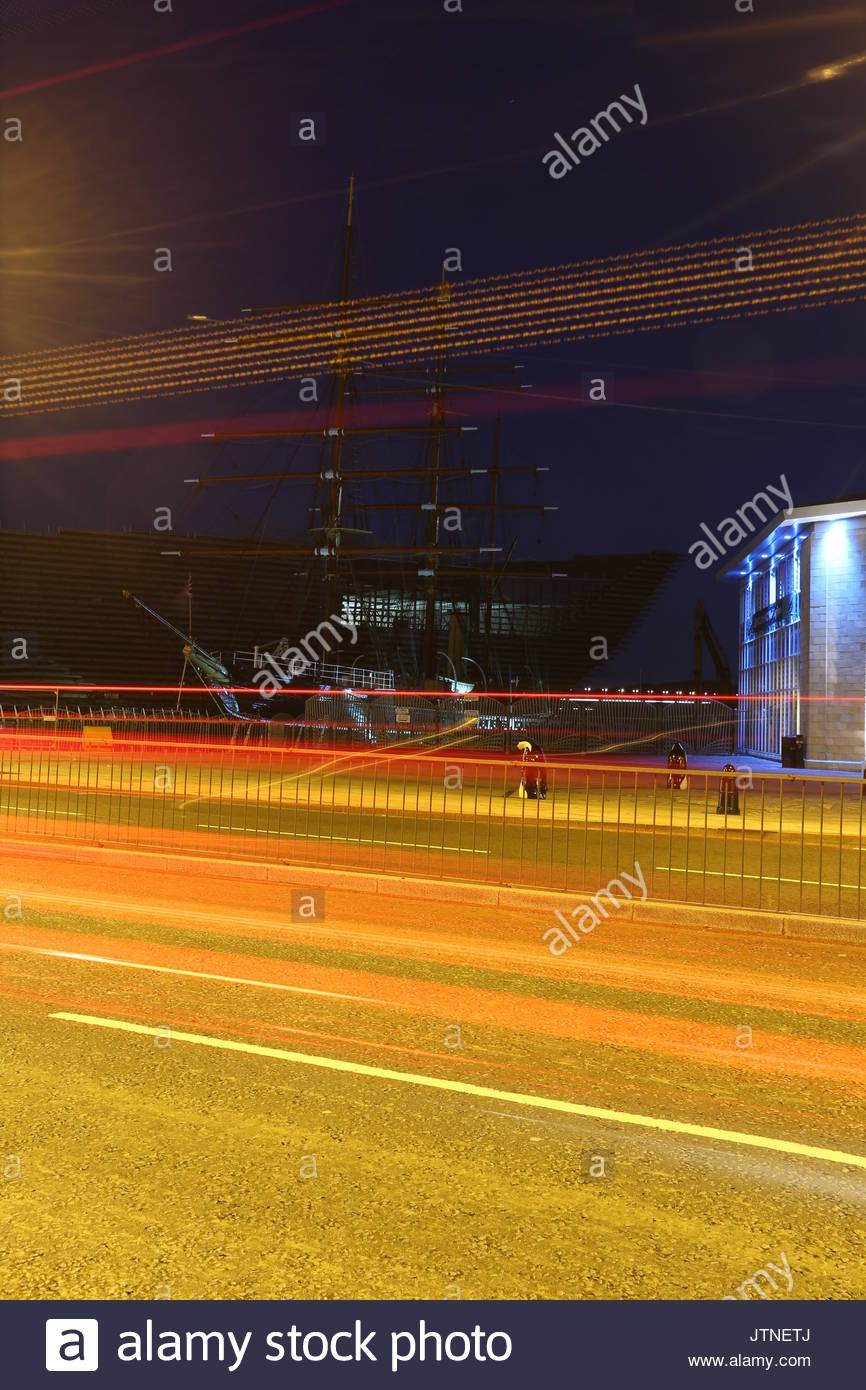 RRS Discovery and V&A Design Museum by night Dundee Scotland  August 2017 Stock Photo