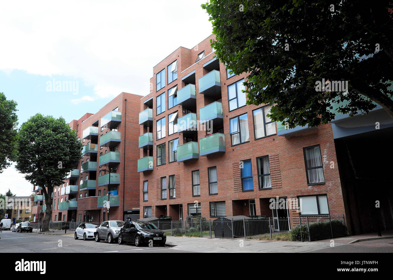New build Bellway Homes apartment building on Lawrence Road in the West Green Road area of Seven Sisters Tottenham North London N15  UK  KATHY DEWITT - Stock Image