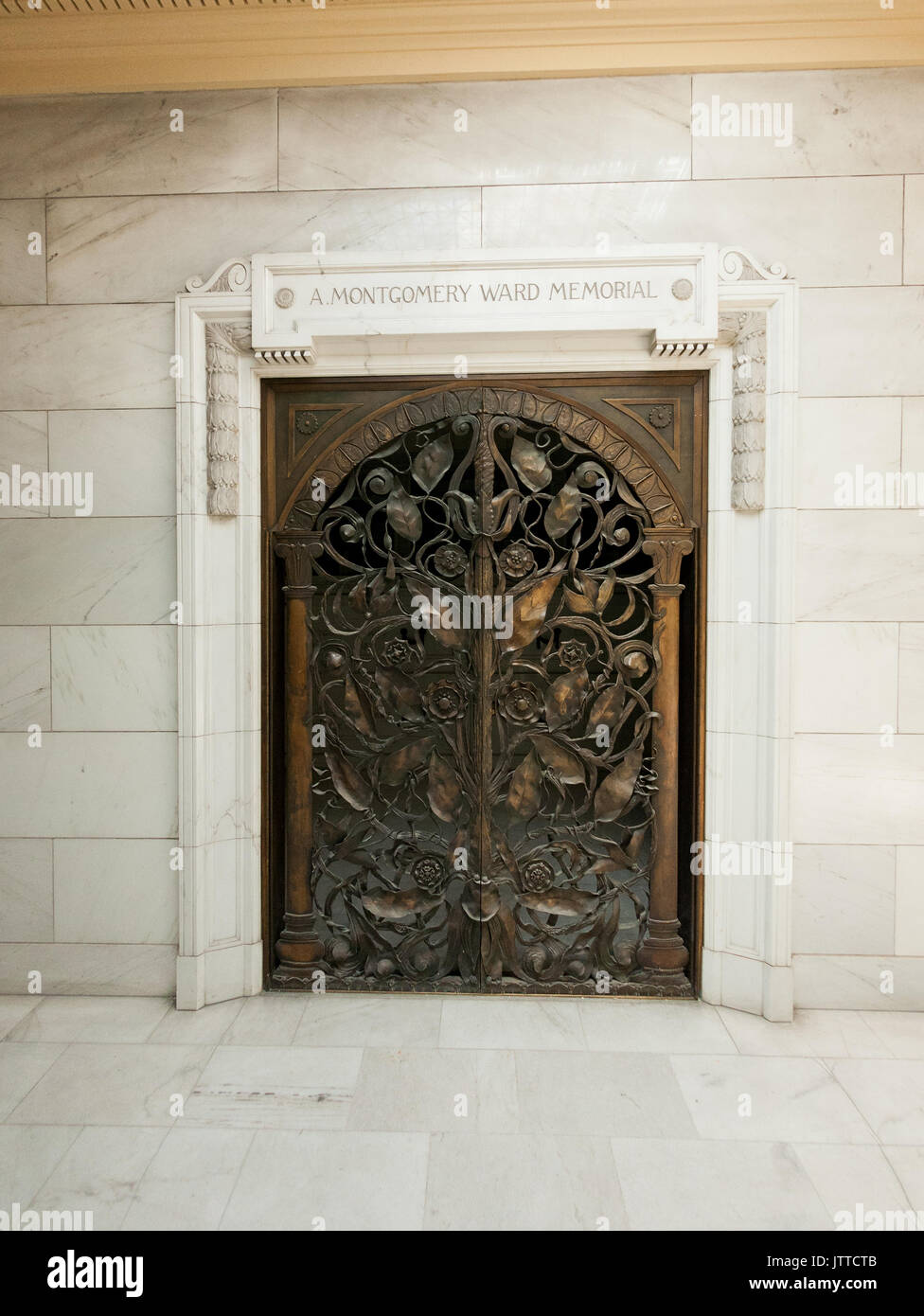 Facade of Montgomery Ward tomb at Rosehill Mausoleum in Chicago, Illinois. - Stock Image