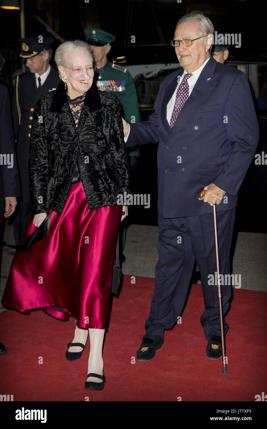 Copenhagen, Denmark. 25th Jan, 2017. Queen Margrethe and Prince Henrik arrive at the Nordatlantens Brygge for the return concert offered by the president of Iceland to the Danish Queen in Copenhagen, Denmark, 25 January 2017. The president of Iceland is in Denmark for an two day state visit. Photo: Patrick van Katwijk POINT DE VUE OUT - NO WIRE SERIVCE - Photo: Patrick van Katwijk/Dutch Photo Press/dpa   usage worldwide/dpa/Alamy Live News - Stock Image