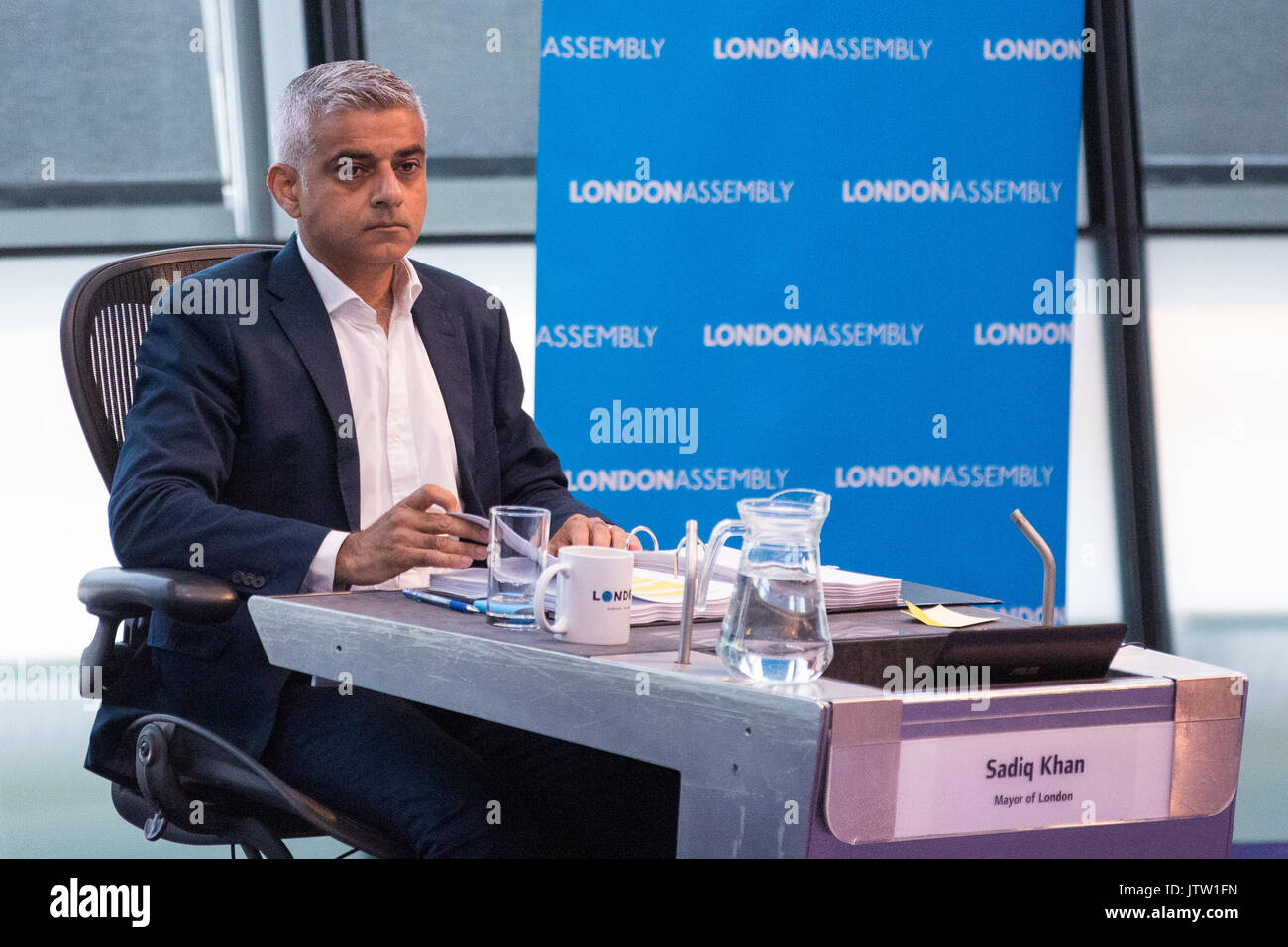 London, UK. 10th August, 2017. Mayor of London Sadiq Khan responds to questions from London Assembly Members during Mayor's Question Time at City Hall. Among topics discussed were: acid attacks, social housing, expenditure on fire, 4G coverage on underground trains and police services and noise from overnight underground trains. Credit: Mark Kerrison/Alamy Live News - Stock Image