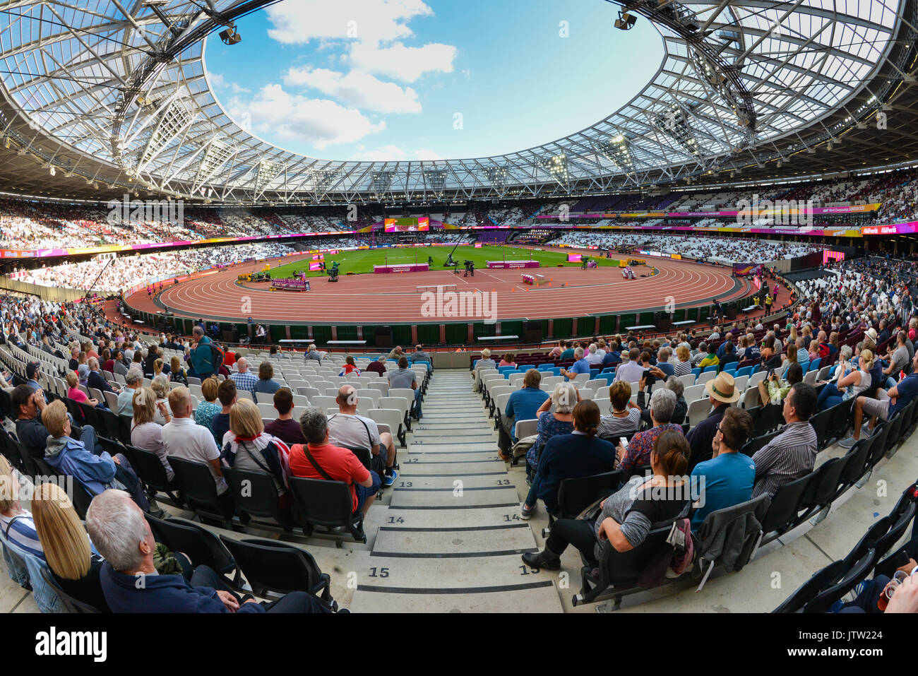 London, UK. 10th August 2017. IAAF World Championships. Day 7. Stadium atmosphere. Credit: Matthew Chattle/Alamy Stock Photo