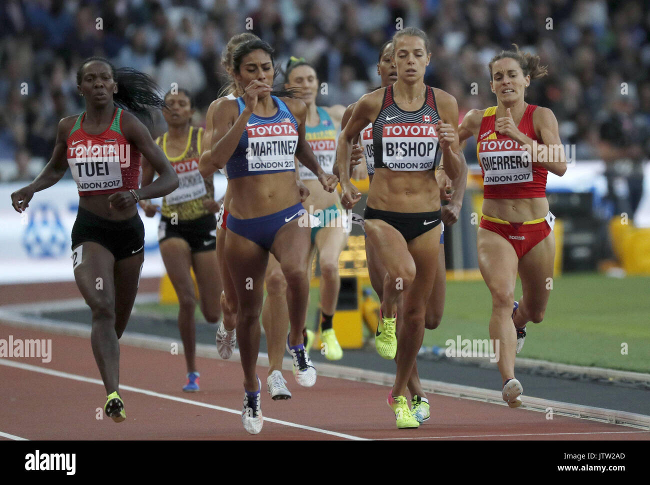 London, UK. 10th August, 2017. Spain's Esther Guerrero (R) competes in the women's 800m heats at the London 2017 Stock Photo