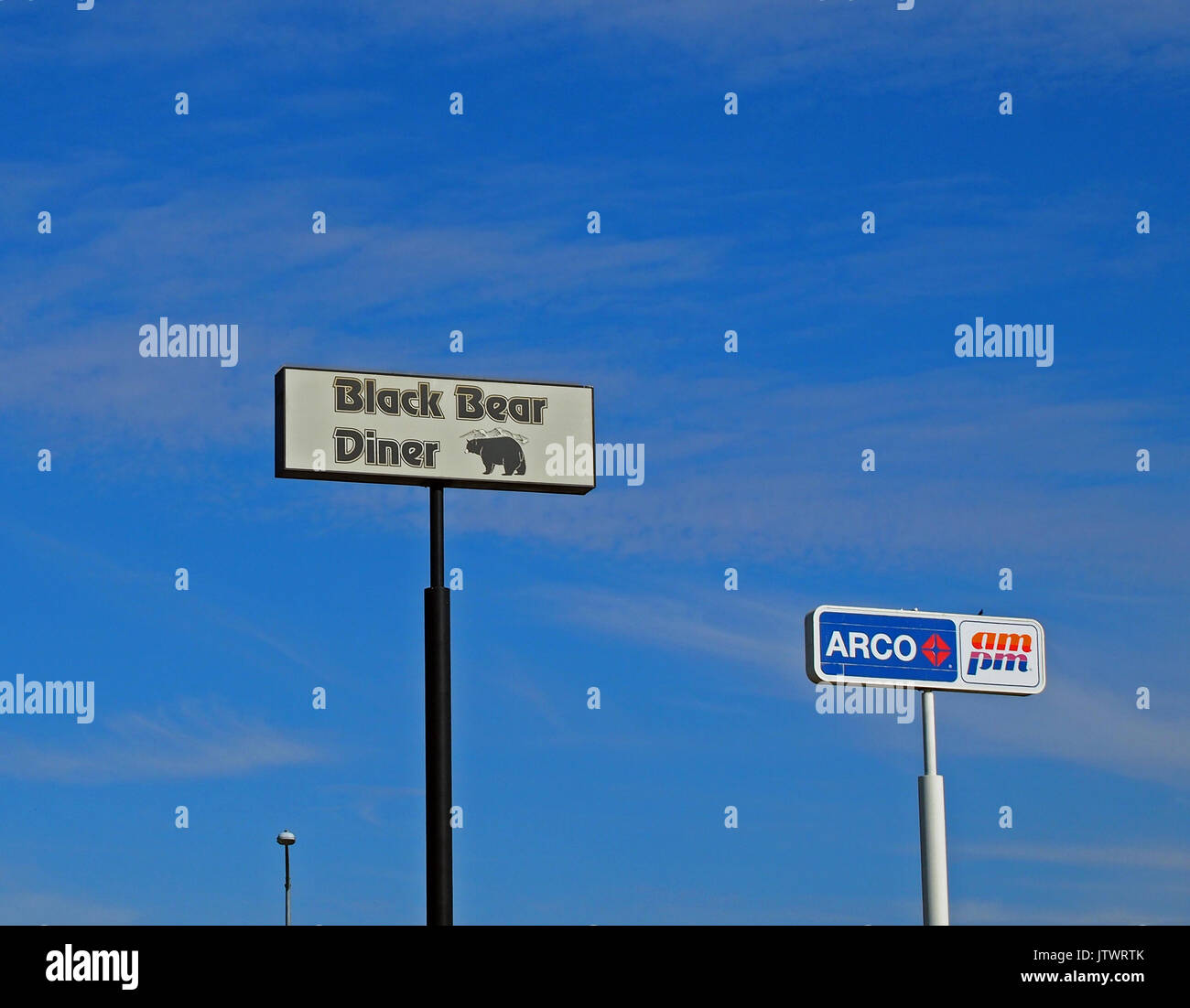 Arco Gas Station Near Me >> Black Bear Diner Restaurant And Arco Gas Station And Am Pm Market