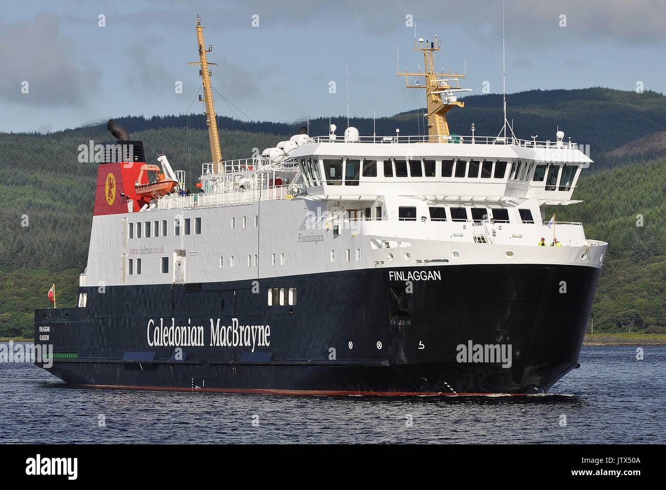 CALEDONIAN MacBRAYNE VEHICLE AND PASSENGER FERRY MV FINLAGGAN Stock Photo