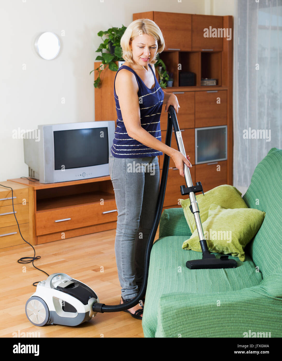фото жены в комнате церковь