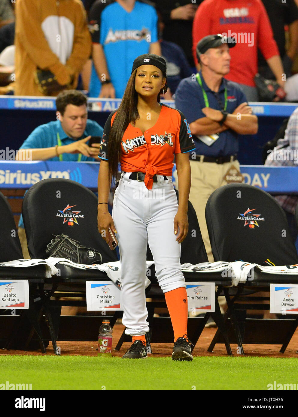 Legends and Celebrity Softball Game | sportscapital