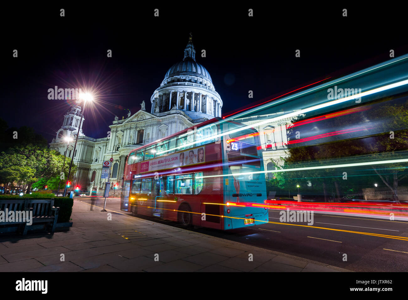 St Paul's Cathedral at night - Stock Image