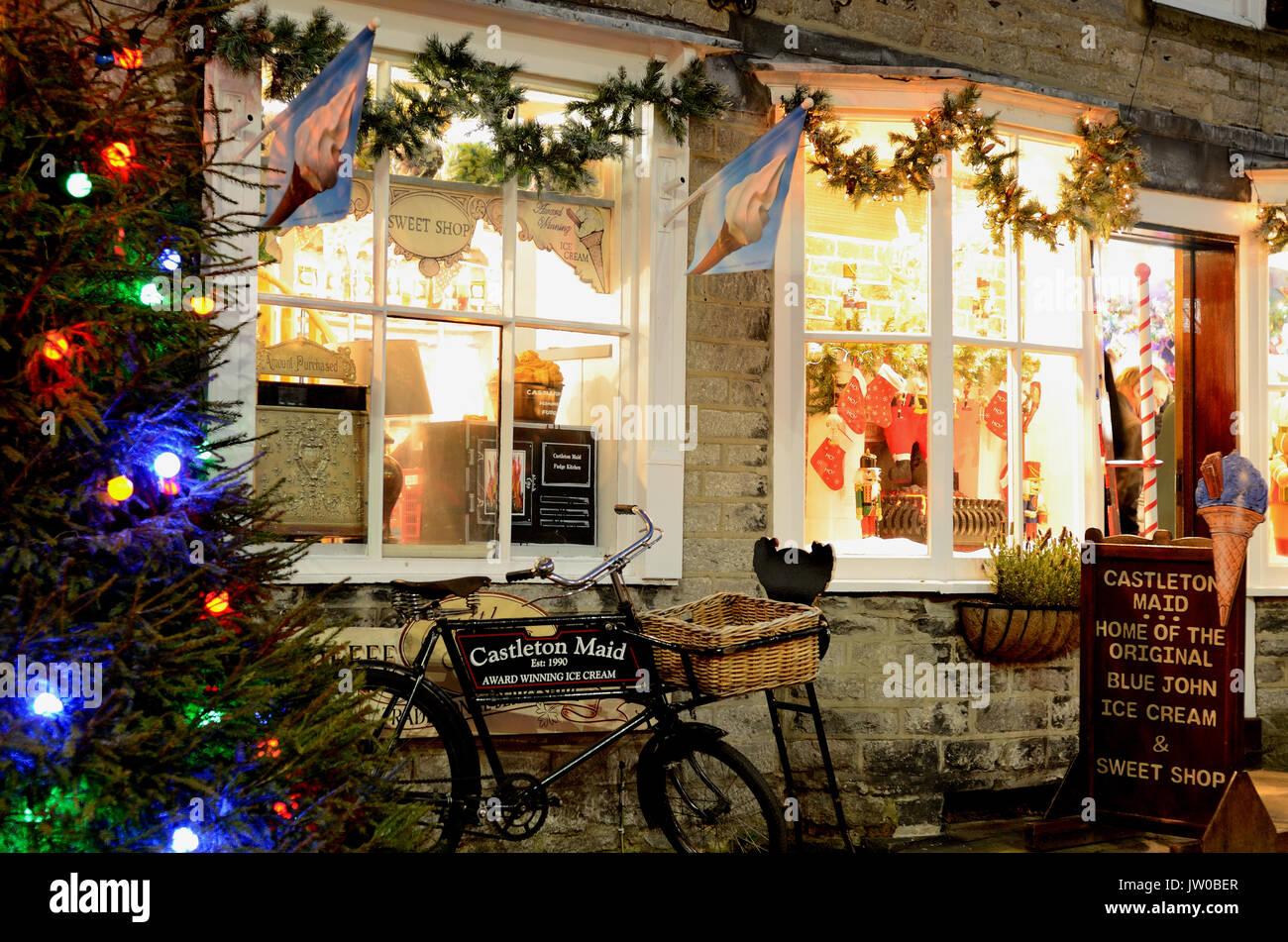 christmas shop window uk stock photos christmas shop window uk