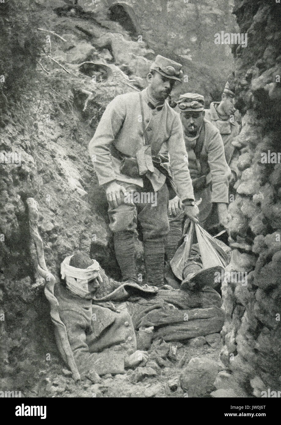 Trench warfare, removing the dead, WW1 - Stock Image