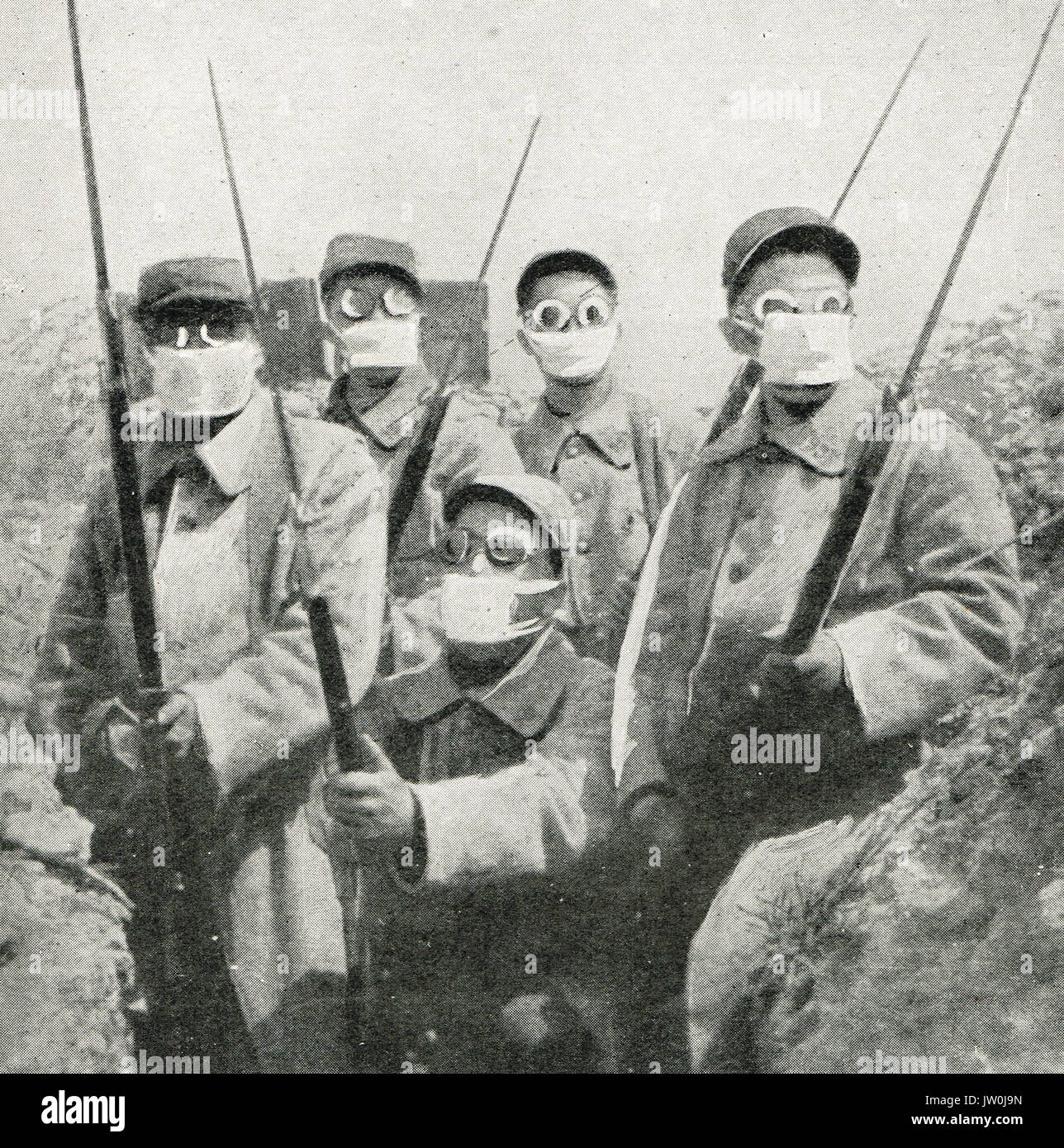 French soldiers wearing gas masks, WW1 - Stock Image