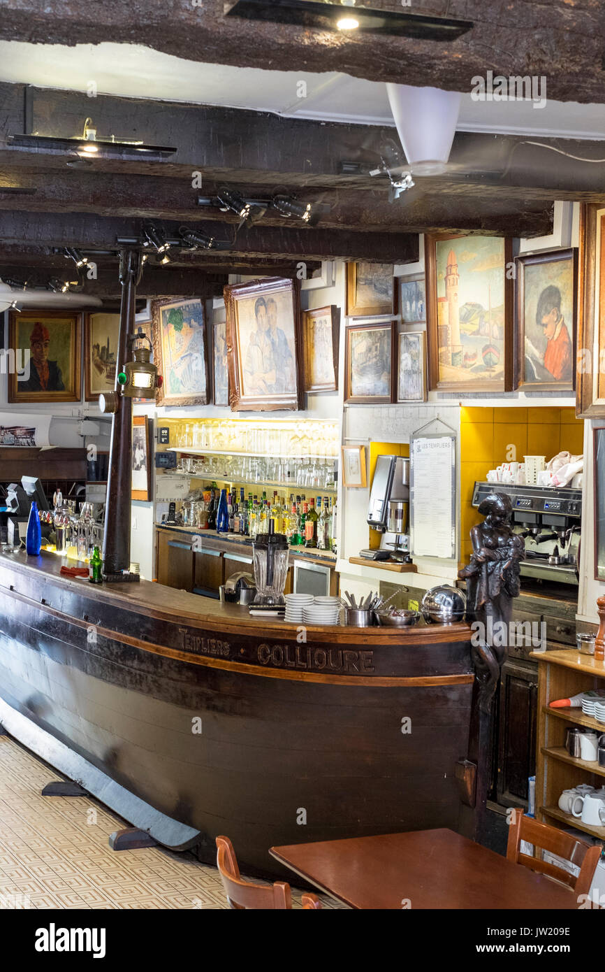 Interior of Les Templiers bar in Collioure, Spain, once frequented by Picasso - Stock Image