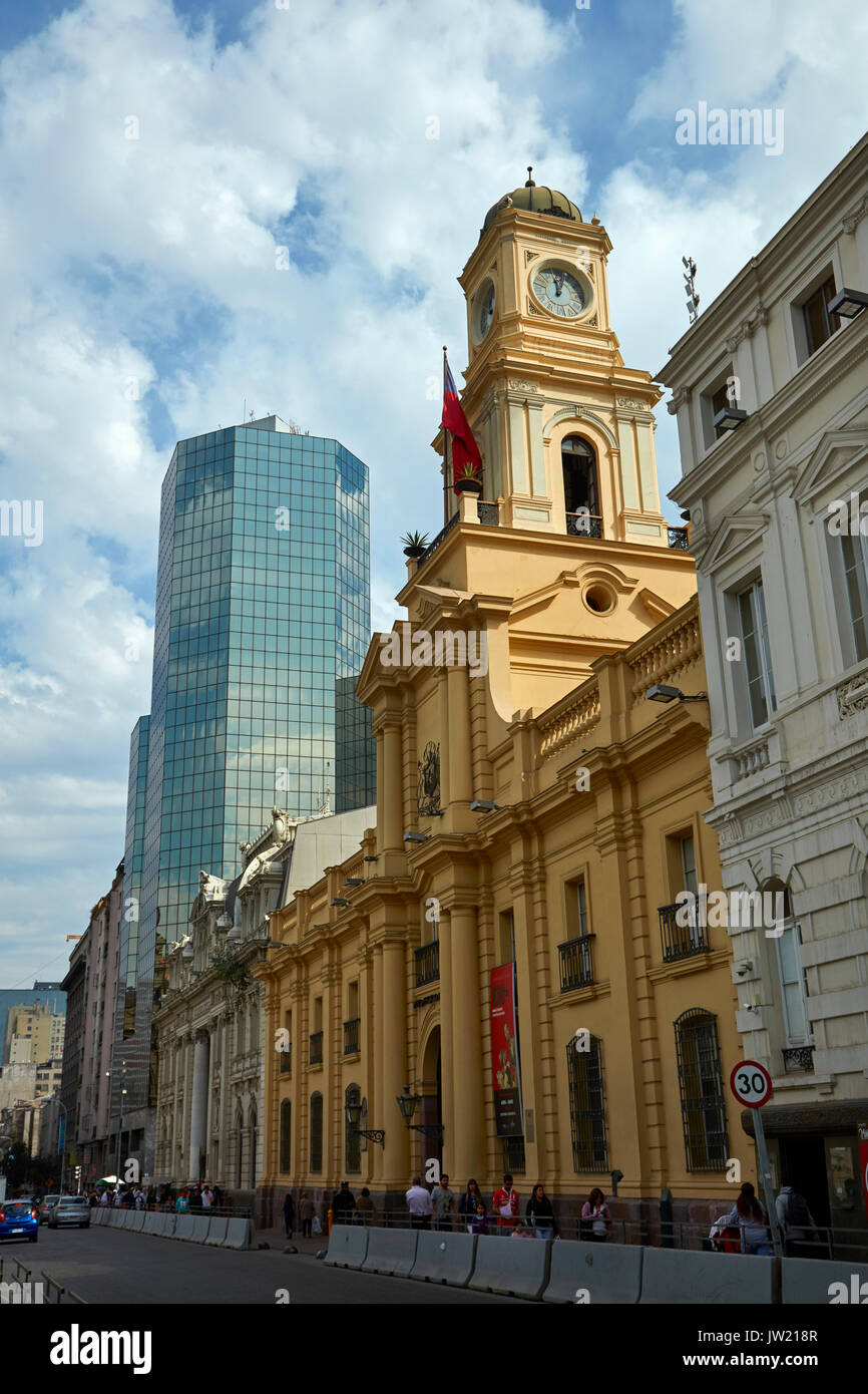 Chilean National History Museum, housed in Royal Court Palace (built 1808), Plaza de Armas, Santiago, Chile, South America - Stock Image