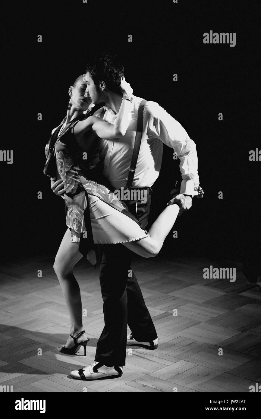 Tango Dance Black And White Stock Photos Images Alamy Argentine Steps Diagram Figures Beautiful Dancers Performing An Argentinian Image For More Effect