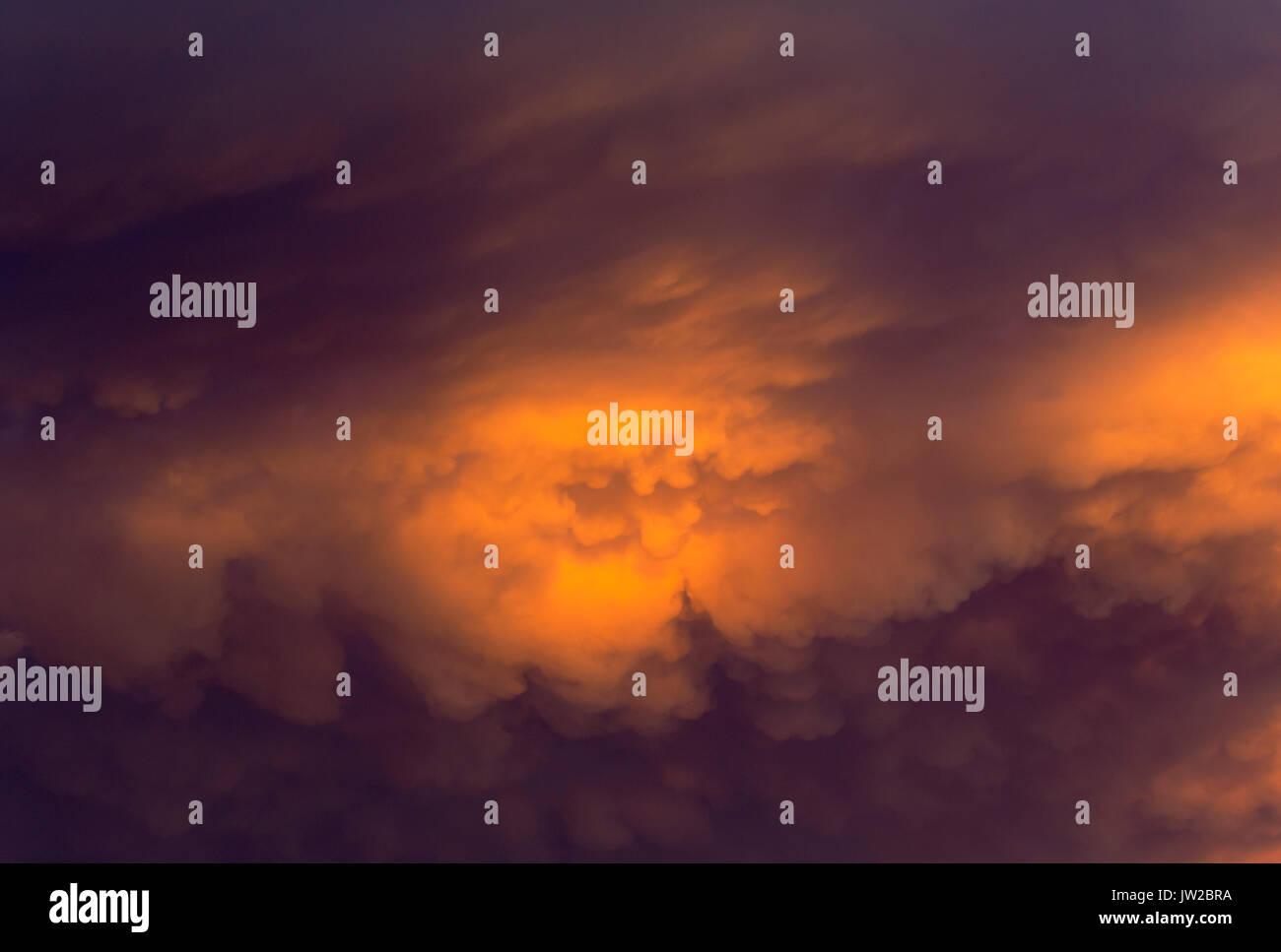 Cumulonimbus cloud in the evening, rainy season, Kalahari Desert, Kgalagadi Transfrontier Park, South Africa - Stock Image